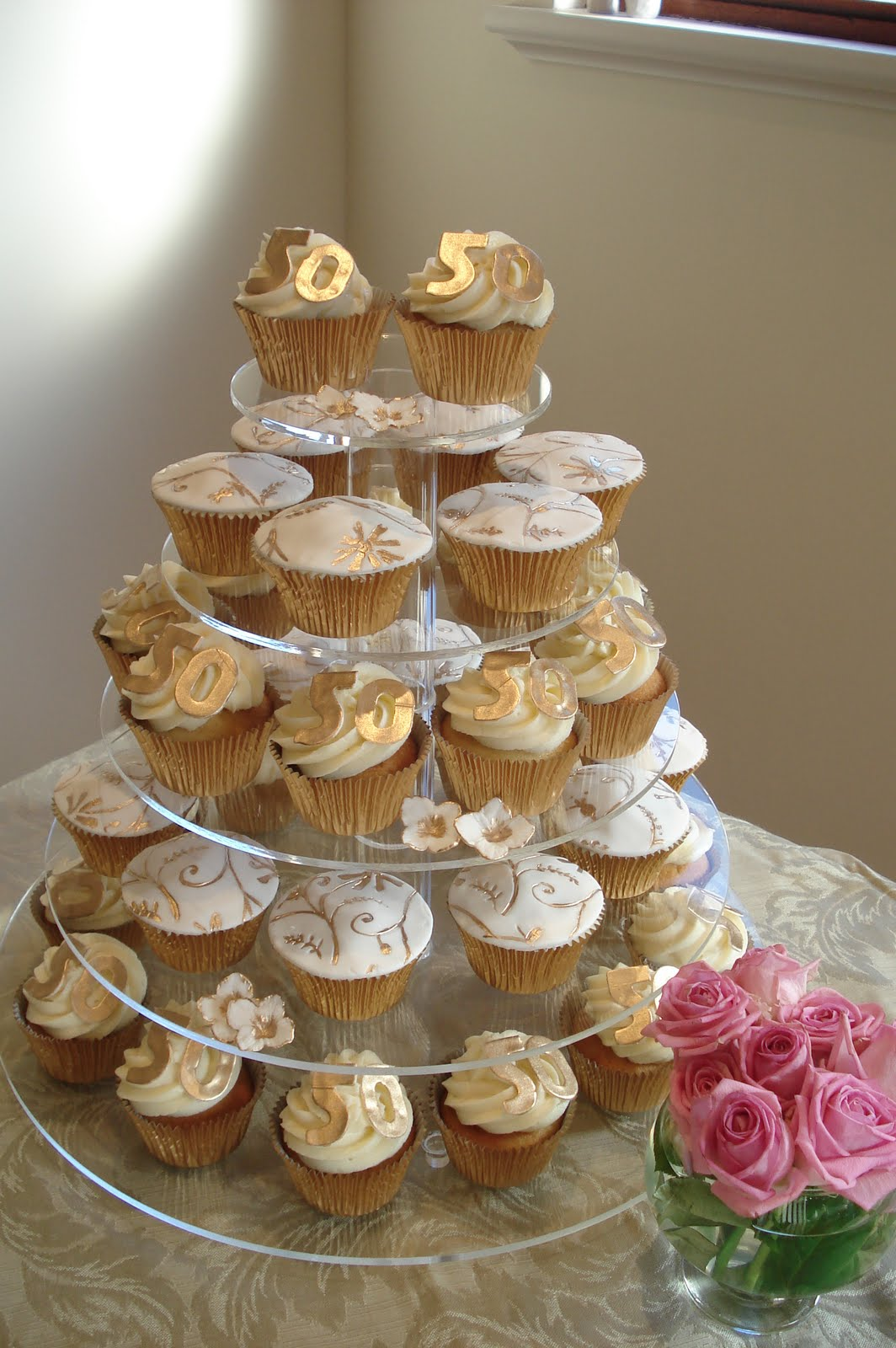 Cupcake Decorating Ideas For Anniversary : Wonderful World of Cupcakes: Cupcakes for a 50th Wedding ...