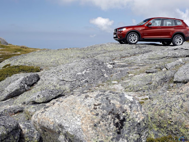 Side image of BMW X3 concept