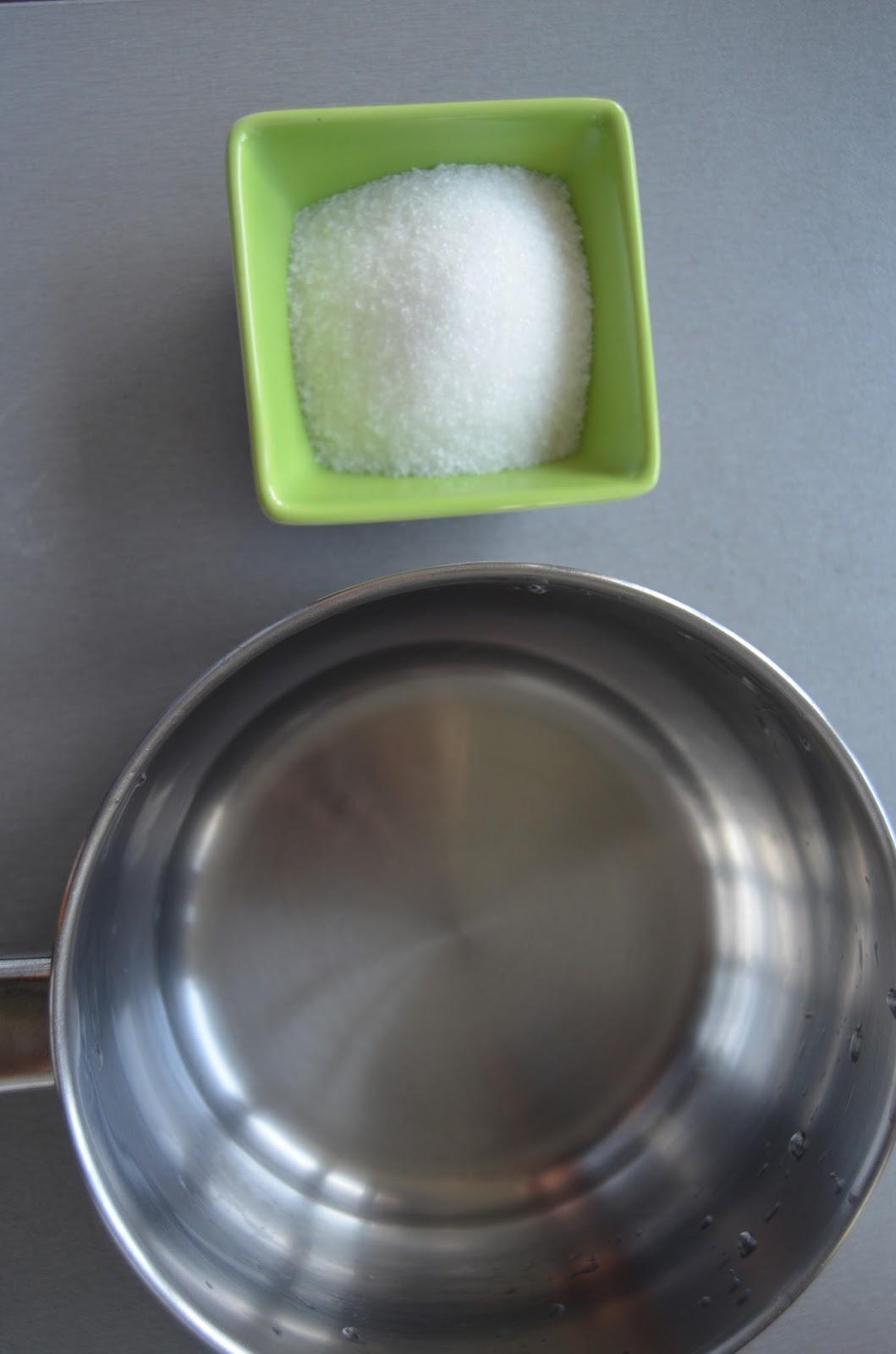 Agua y Azúcar para Almíbar
