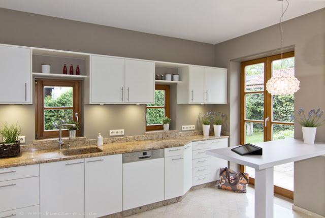 Eine Küche wie neu - aber sie ist renoviert. Gleicher Luxus für weniger Geld.