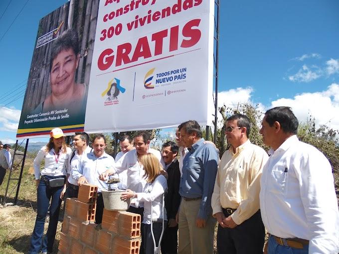 Arrancó construcción de 300 viviendas gratuitas en Málaga