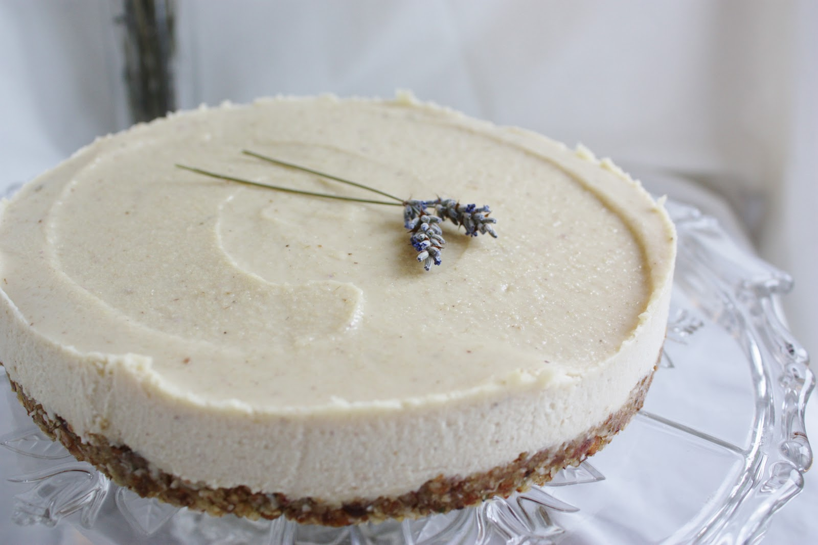 "This Rawsome Vegan Life: lavender & lemon ""cheesecake"""