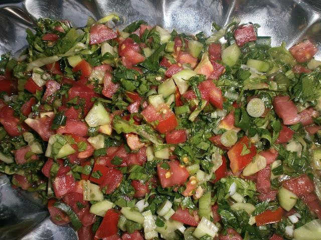 salata yapımı