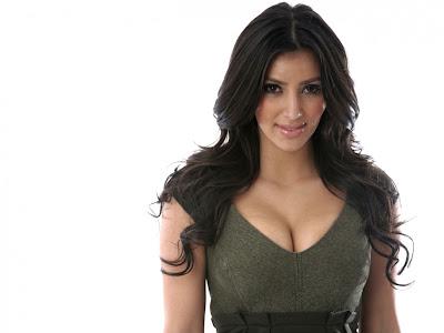 kim_kardashian_model_hot_wallpaper_16_fun_hungama_forsweetangels.blogspot.com