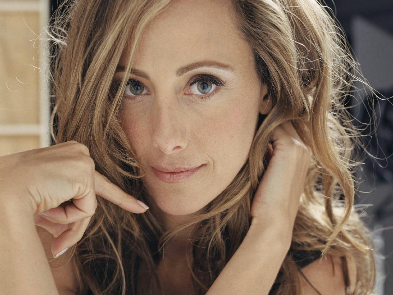 Celebrity Images: Kim Raver