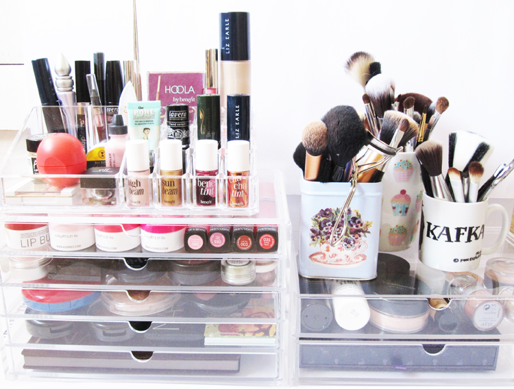 Iu0027m a terribly disorganised person and my make-up collection has been living in a chaotic mess for a very long time. One of the main problems I had with my ...  sc 1 st  We Were Raised By Wolves & MUJI Clear Makeup Storage #1 | We Were Raised By Wolves