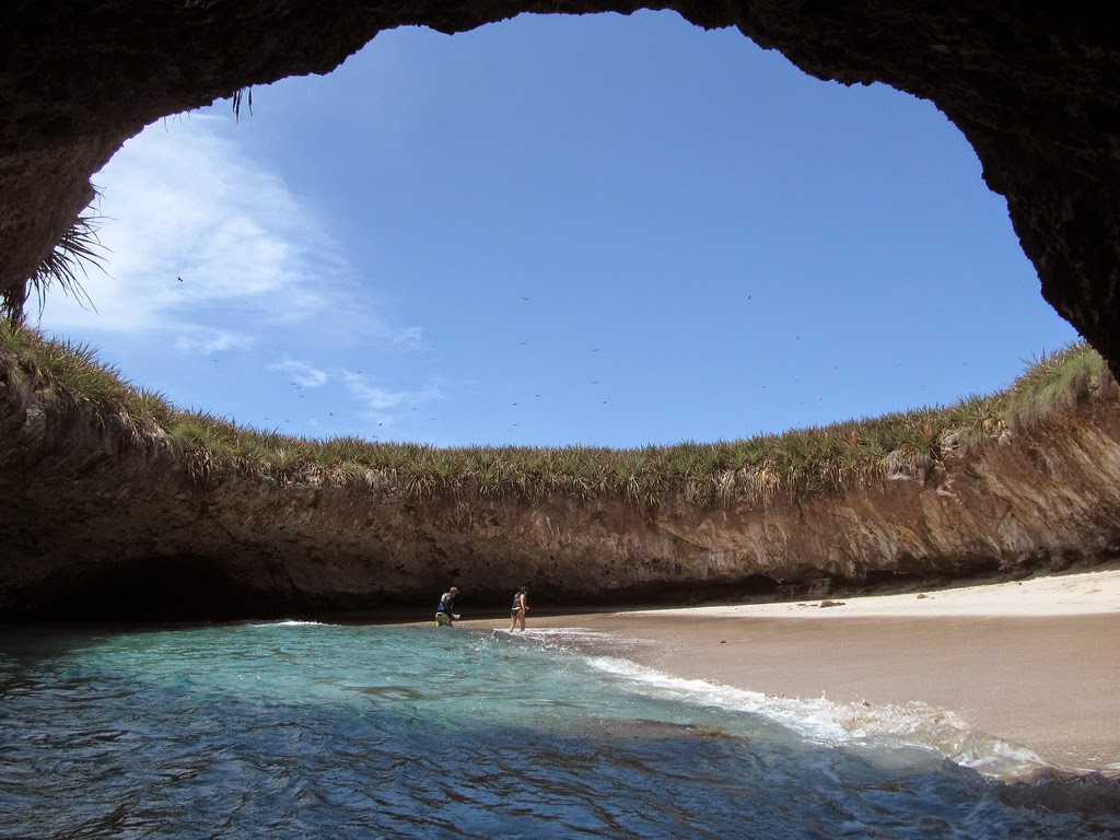 La playa oculta de Islas Marietas – México
