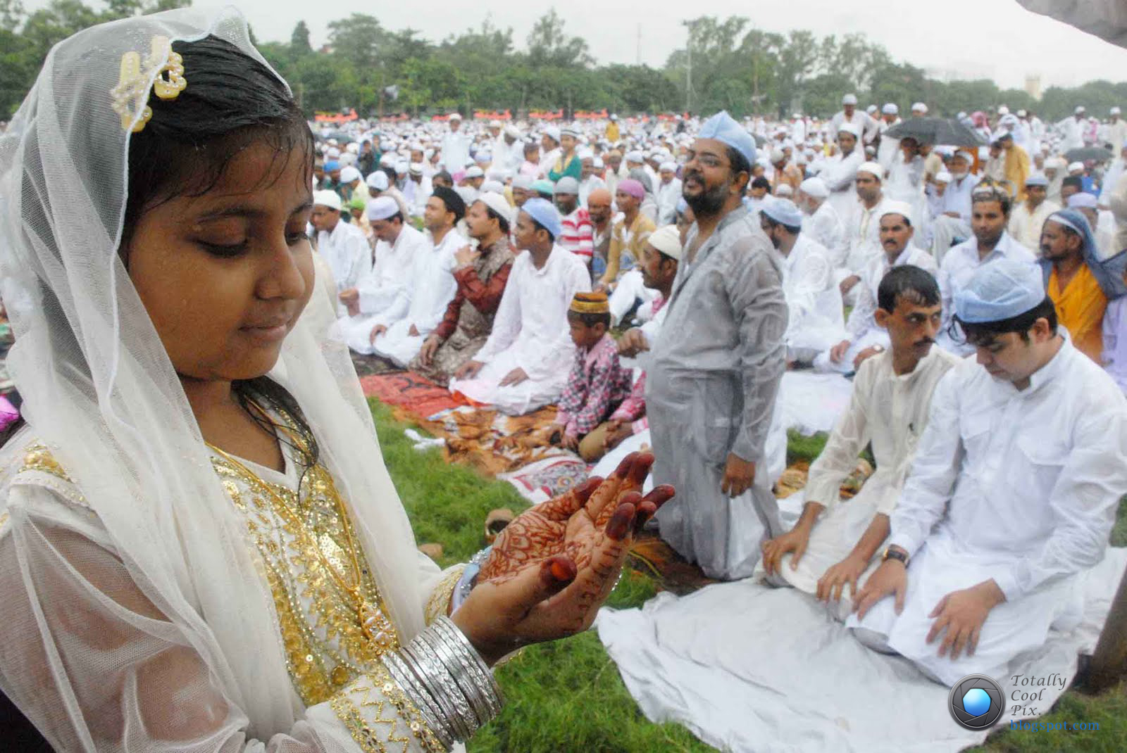 essay on festivals of muslims An essay on bakra eid for kids, students and youth given here short it is the holier of the two festivals of the muslim community who also celebrate eid al-fitr.