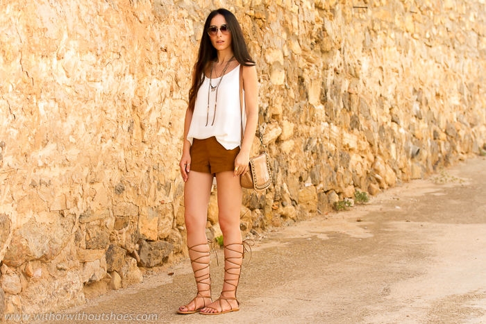 BLogger de Valencia de moda y belleza con sandalias gladiadoras clon de Valentino