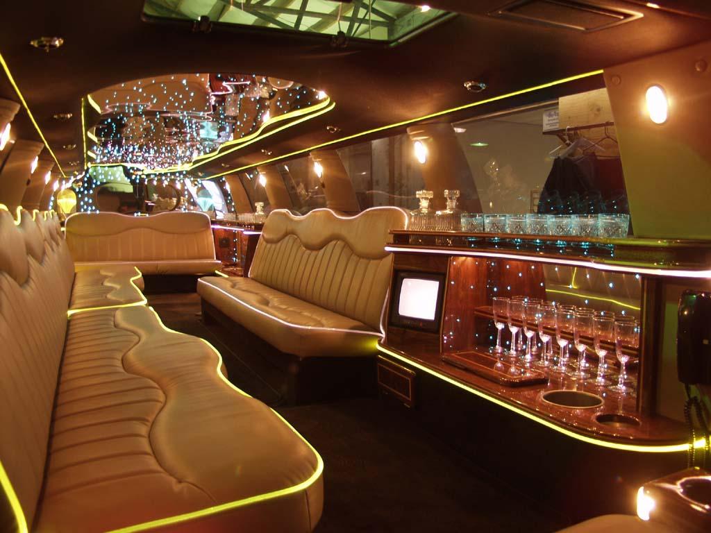 http://4.bp.blogspot.com/-98JAdUbJ18A/T8XdHSy0PlI/AAAAAAAAACw/qRkuMVBuYXE/s1600/limo4.jpg