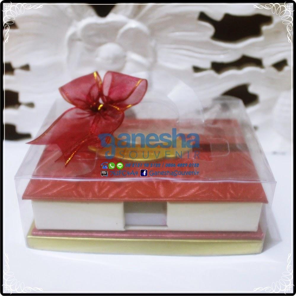 souvenir buku catatan