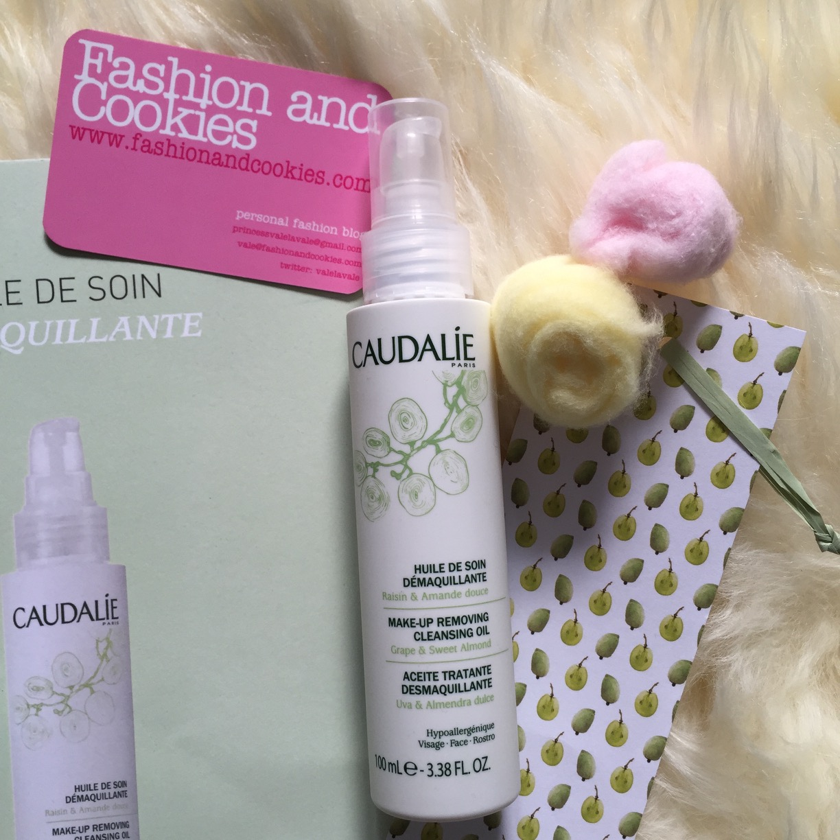 Caudalie Huile de Soin Démaquillante review on Fashion and Cookies beauty blog