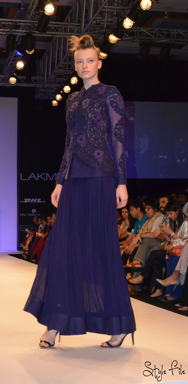 lakme fashion week nupur kanoi purple churidhar flowing