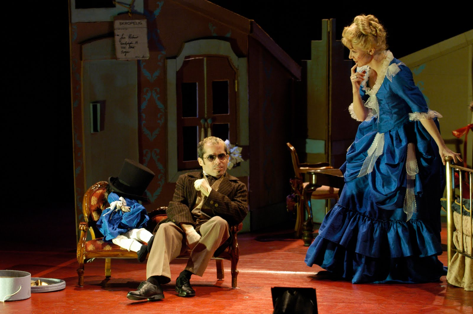 the difference of men and women in a dolls house a play by henrik ibsen The play a doll's house, by henrik ibsen essays a doll's house gender and theatricality in a doll's house the social standards for both men and women.