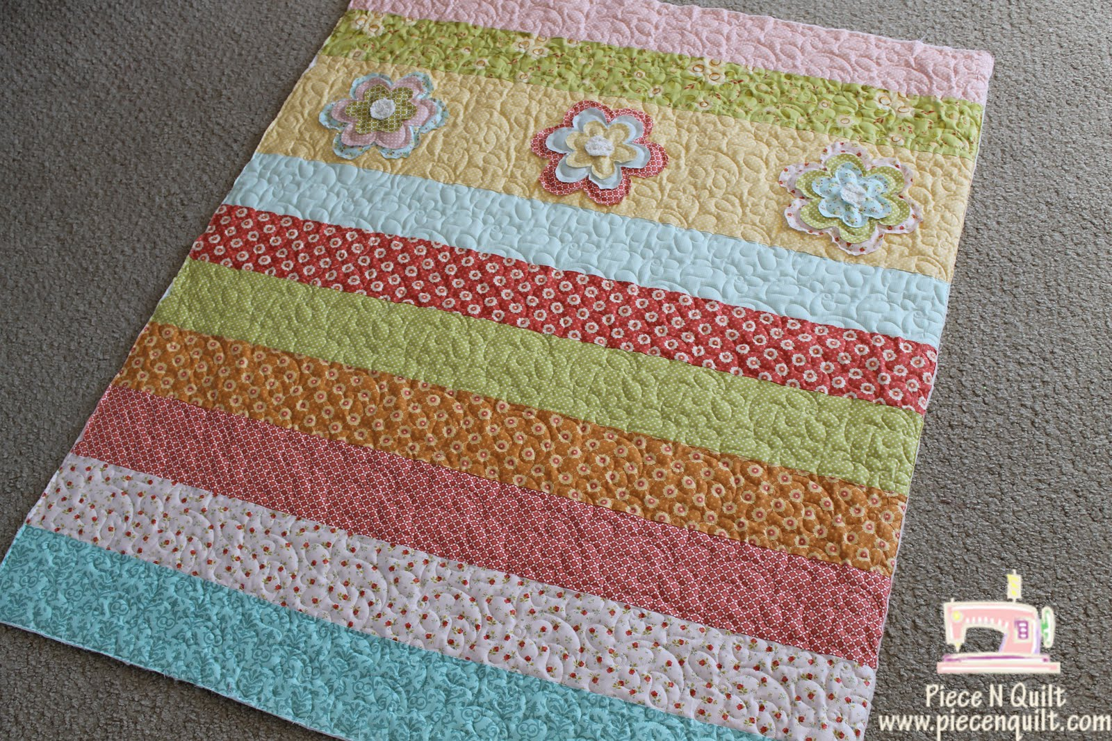 super cute baby girl quilt and i machine quilted it for her Quilt Patterns Baby Girl Free