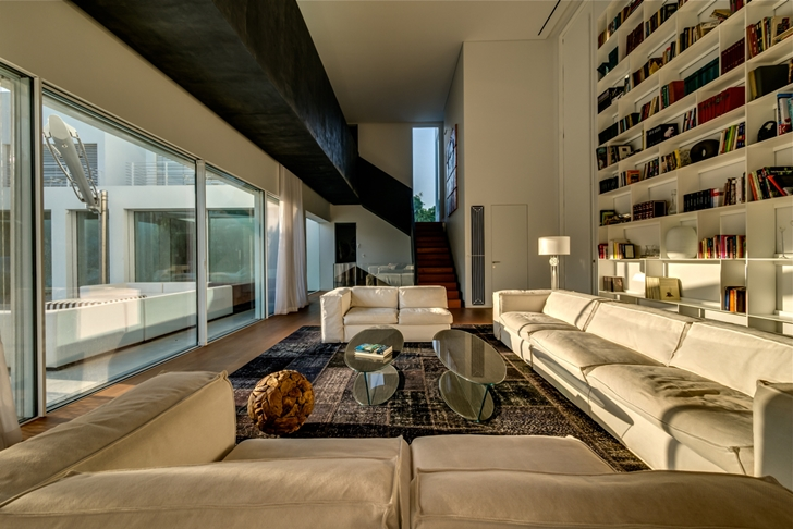"Living room of Modern Villa ""Cubes"" In Tel Aviv"