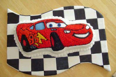 De Una Torta De Dos Pisos Con Los Personajes De La Pel  Cula Cars