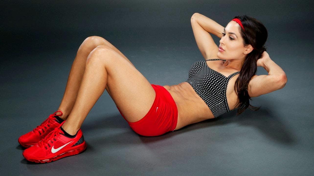 TOP 10 SEXY FACTS: TOP TEN RICHEST WWE DIVAS:-