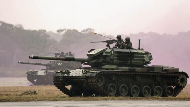snafu taiwan c 11 brave tiger tanks get explosive reactive armor. Black Bedroom Furniture Sets. Home Design Ideas