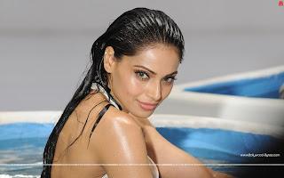 Hot Bipasha Basu Raaz 3 WideScreen HD Wallaper