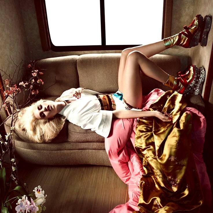 Tacones Altos Imágenes De Archivo, Vectores 123RF - fotos de zapatos altos de moda