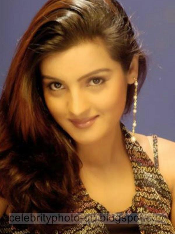 Gorgeous+Nepali+Actress+Arunima+Lamsal's+Latest+Hot+Photos+Collection+2014008