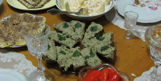 баклажаны с орехами и чесноком