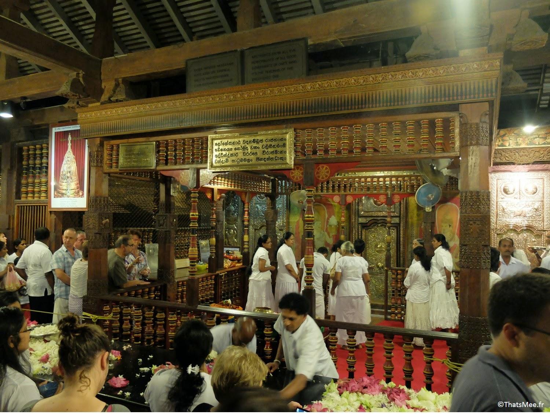 Temple de la Dent Sacrée relique Bouddha Sri Dalada Maligawa Kandy Sri-Lanka