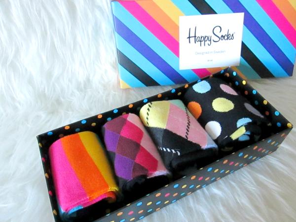 Das Happy Socks Pre-Pack in Rainbow kostet 29.99 Euro und ist im Online Shop