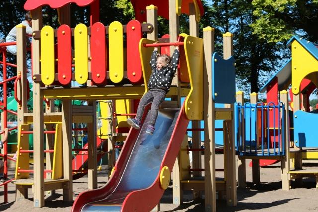 Helia en un Parque de San Petersburgo