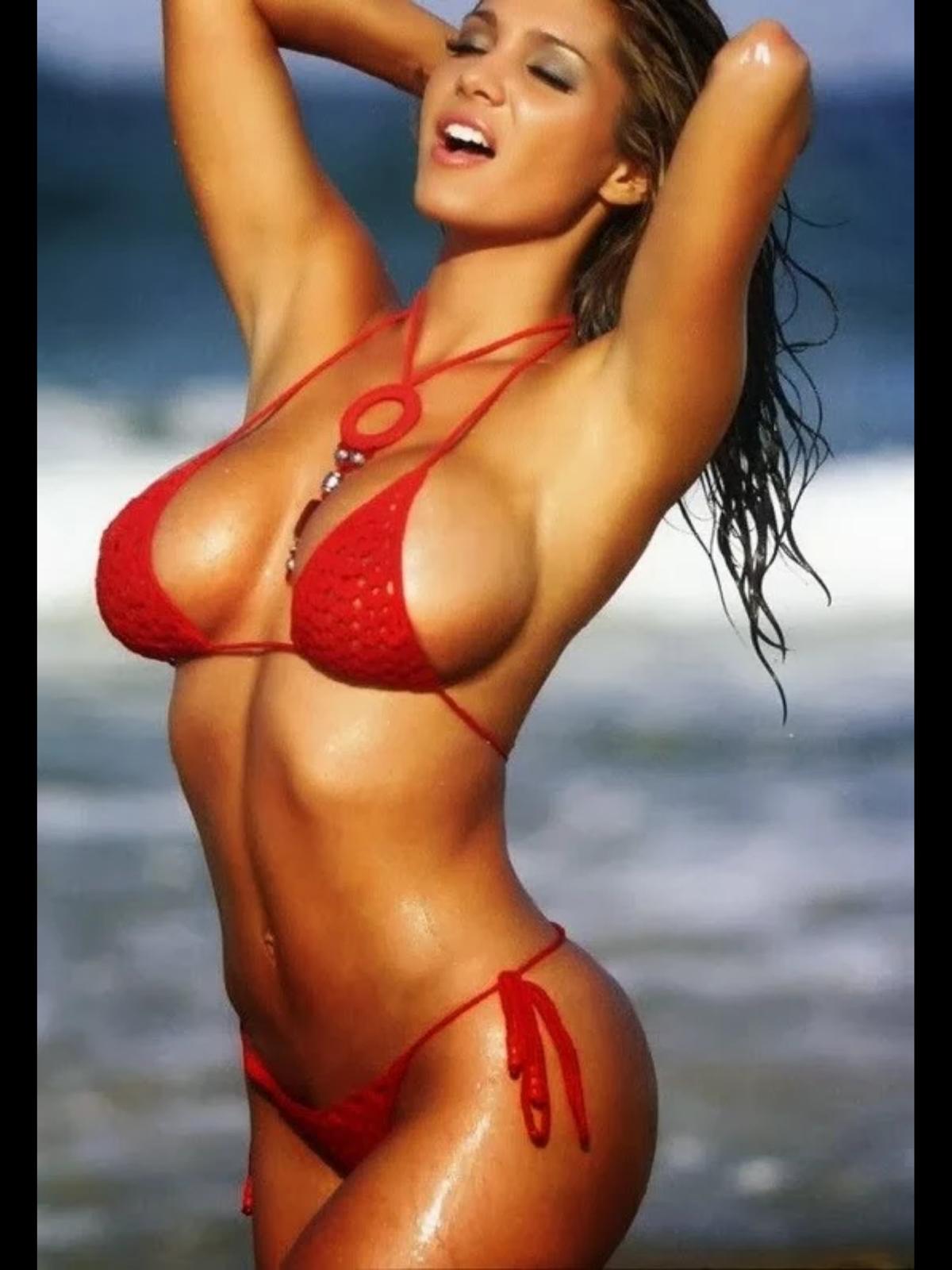 Секси модель в бикини 4 фотография