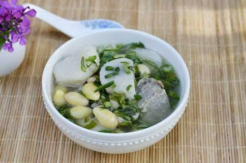 Vietnamese Soup Recipes - Đuôi bò hầm bạch quả và khoai sọ