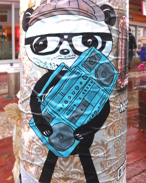 Streetart, Panda, Ottensen, Hamburg. Kinderspielzeug, loverares.de