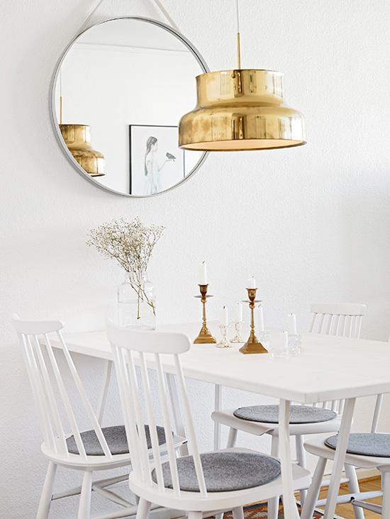 Modern white scandinavian dining spot via Stadshem