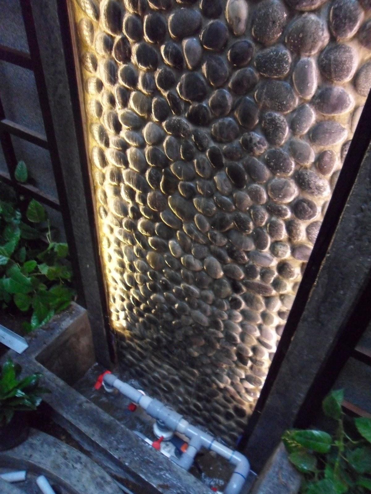 Oniria remodelaci n de un jard n interior for Caidas de agua para jardin