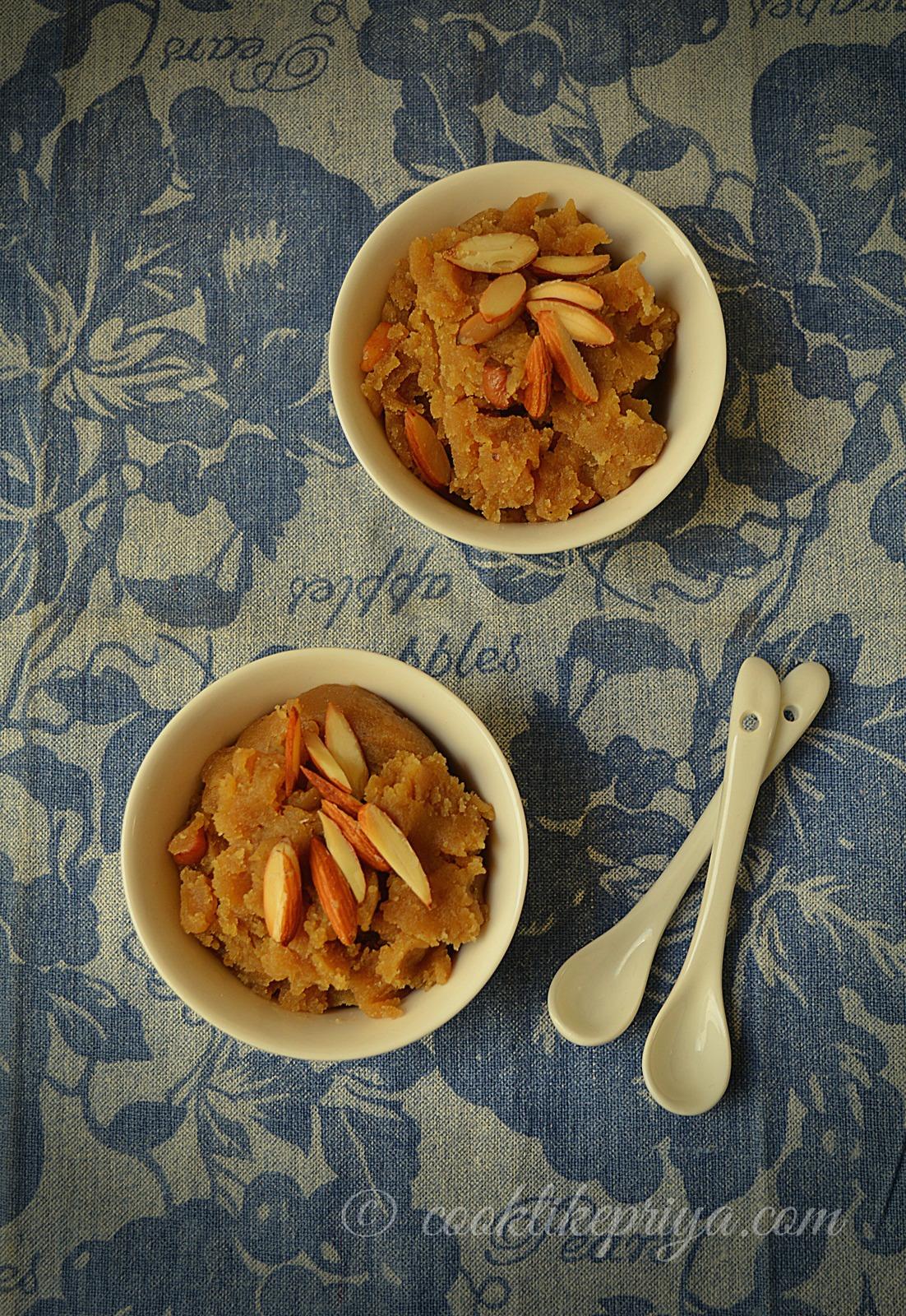 Quick 10 minute halwa recipe   Atte ke Halwa