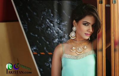 Humaima Malik Latest Spicy Photoshoot