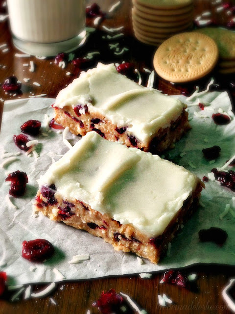 No-Bake Coconut Cranberry Cookie Bars - lacocinadeleslie.com