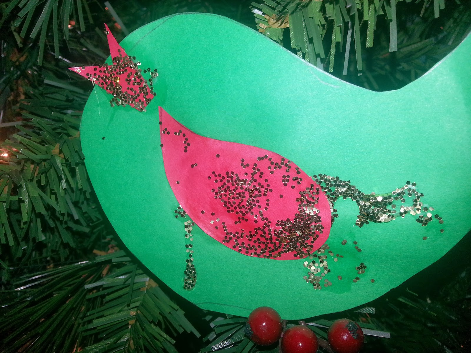 Burlap bird ornaments - I Hooked Up My Silhouette Cameo To Make Some Templates For Our Ornaments We Then Traced Cut Them Out Of Fabric Paper And Burlap