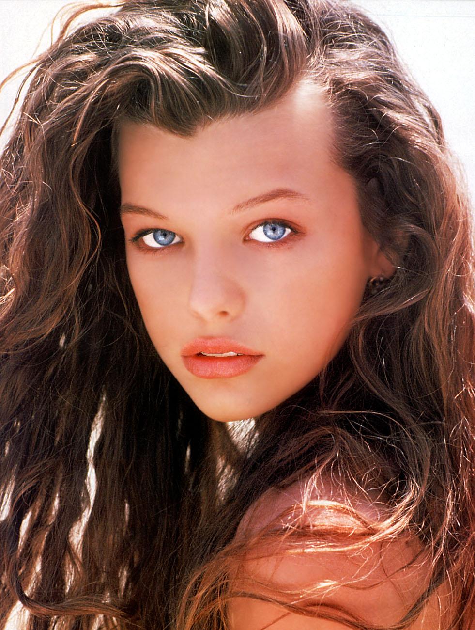 http://4.bp.blogspot.com/-9BD-rYDnKHU/TyFqOKjTX0I/AAAAAAAAKVM/OyH32jWQSVQ/s1600/Milla+Jovovich+%282%29.jpg