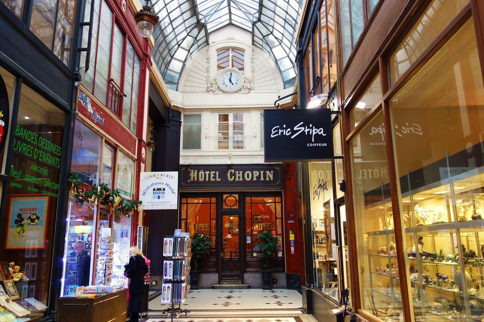 Paris   Passage Jouffroy  Le Temps Suspendu