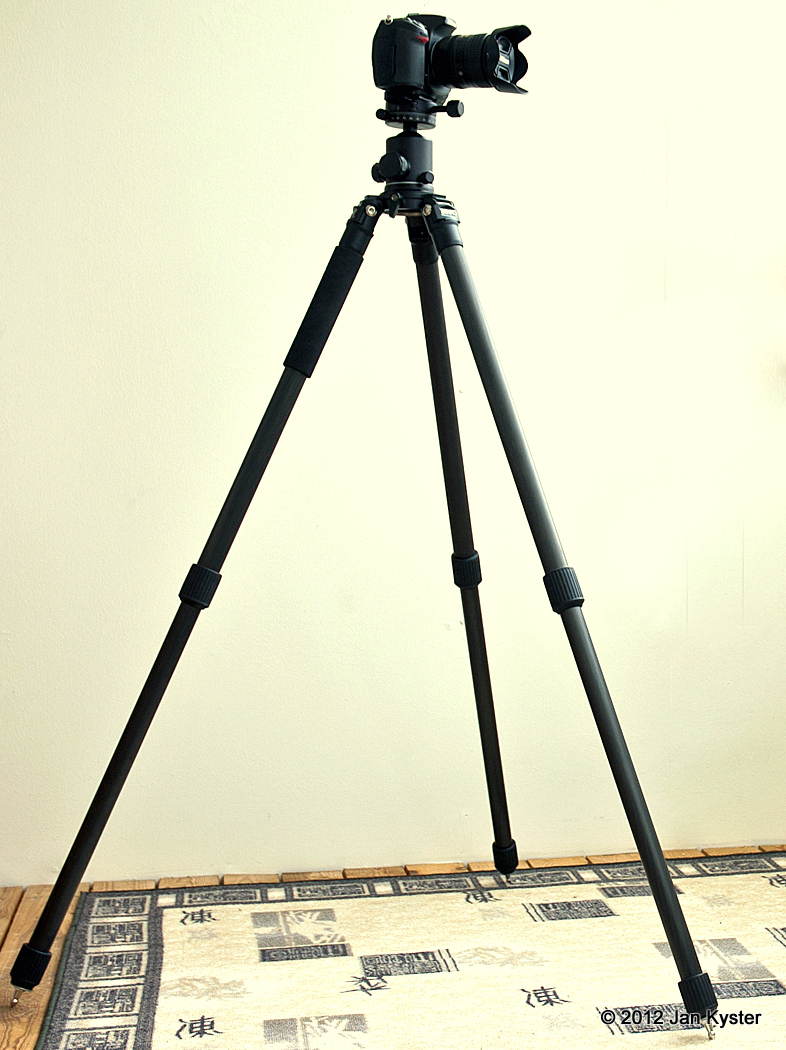 Benro C3770T CF Tripod 2 sections extended