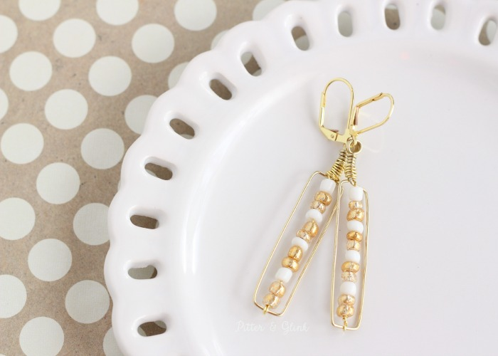 These DIY Gold & White Beaded Earrings are so easy to make! pitterandglink.com