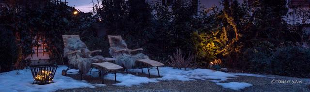 Solarbeleuchtung für einen schönen Garten im Winter - Lichterkette von Ikea im Feuerkorb. Eine günstige und sehr schöne Kombination im winterlichen Garten