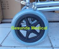 penjual kursi roda