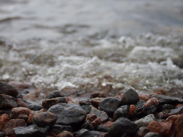 kivikko ranta laine aalto maininki