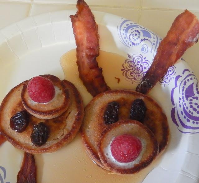 Christmas%2BBreakfast%2BReindeer%2BPancakes%2BRudolph%2BRed%2BNosed%2BReindeer%2BRecipe Weight Loss Recipes Reindeer Ricotta Pancakes