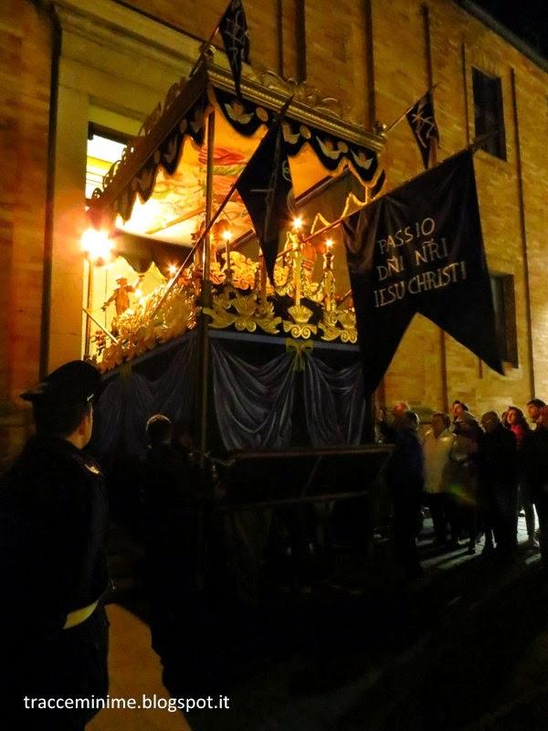 La Bara de Notte tra le vie di Porto Recanati il Venerdì Santo