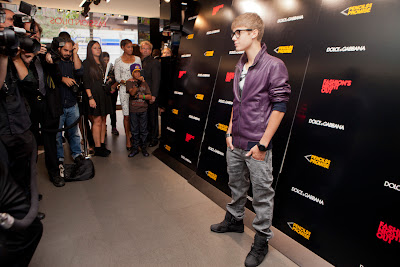 Justin Bieber Tickets  York on Justin Bieber Arrives At Dolce   Gabbana Store In New York For Fashion