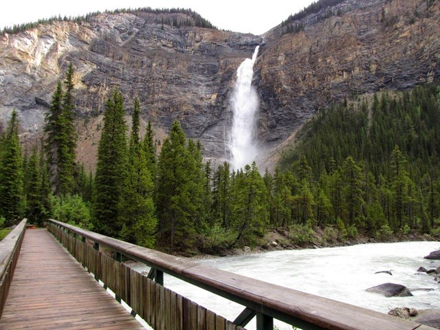 The most beautiful images of Takakkaw Falls in Canada.